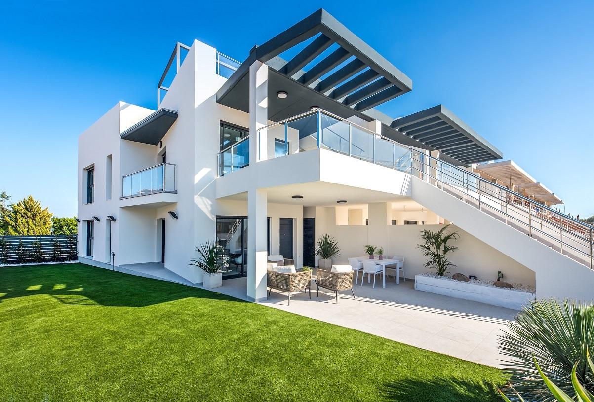 Uniek modern appartement te koop in Los Dolses, Villamartin.