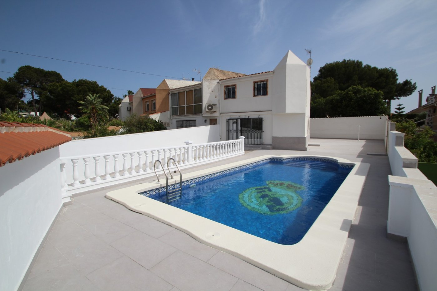 Fantastic renovated villa for sale with private pool in Los Balcones, Torrevieja.