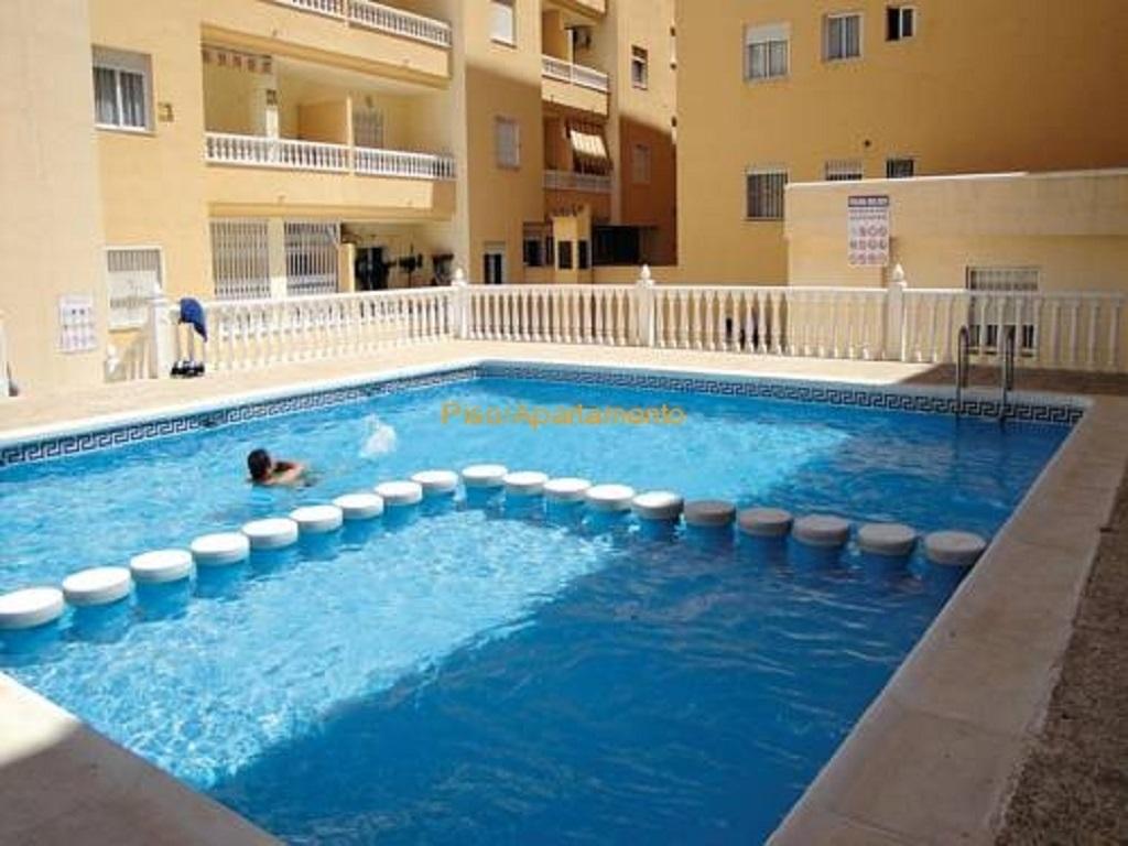 Mooi zuidgericht 2 slaapkamer appartement te koop dicht bij het centrum van Torrevieja