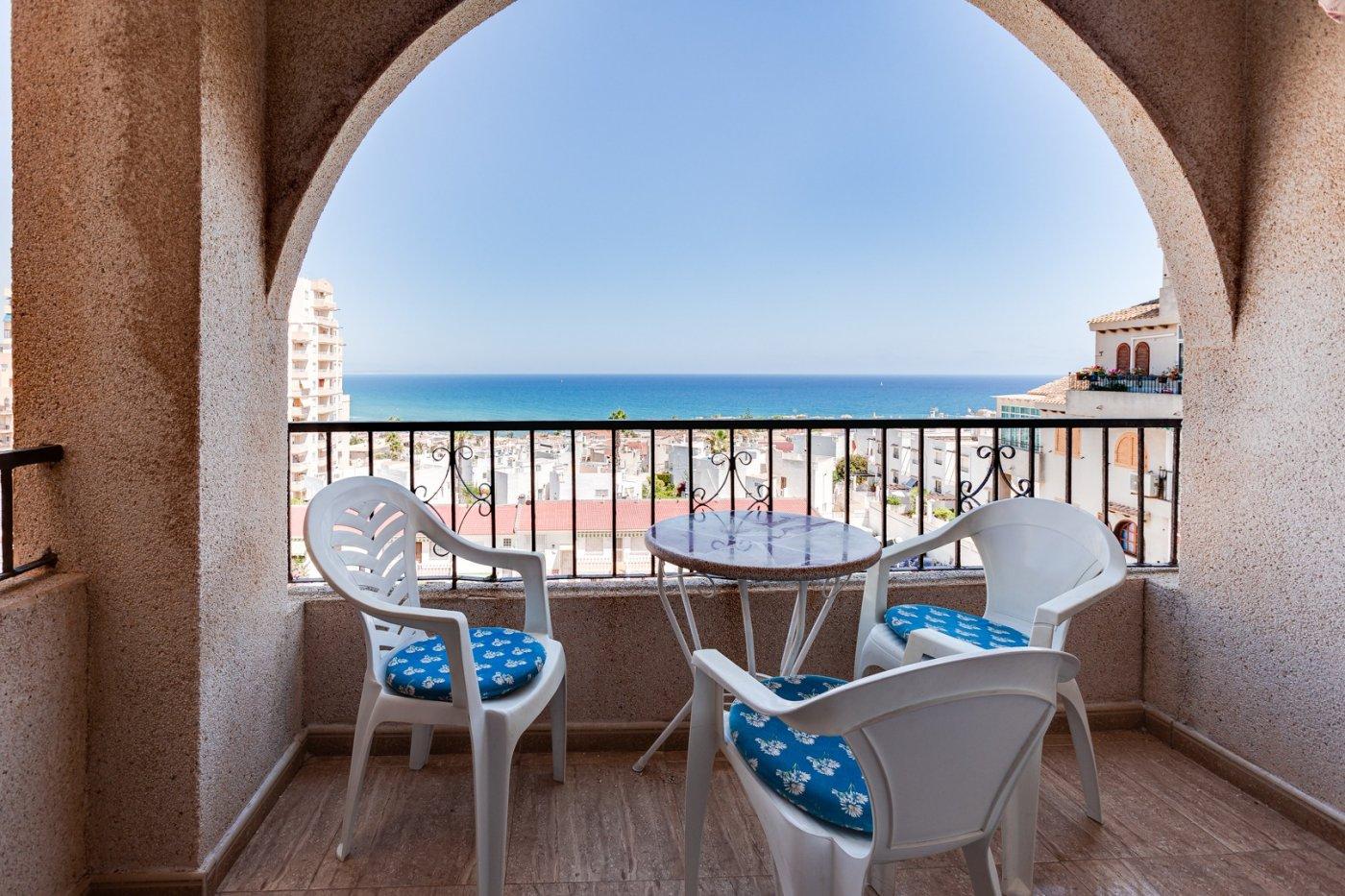 Gezellig appartement te koop met zeezicht aan het strand van La Mata, Torrevieja.