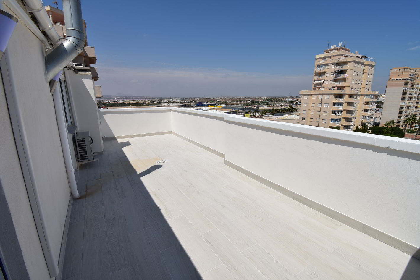 Spectacular renovated penthouse for sale with sea views in Nueva Torrevieja.