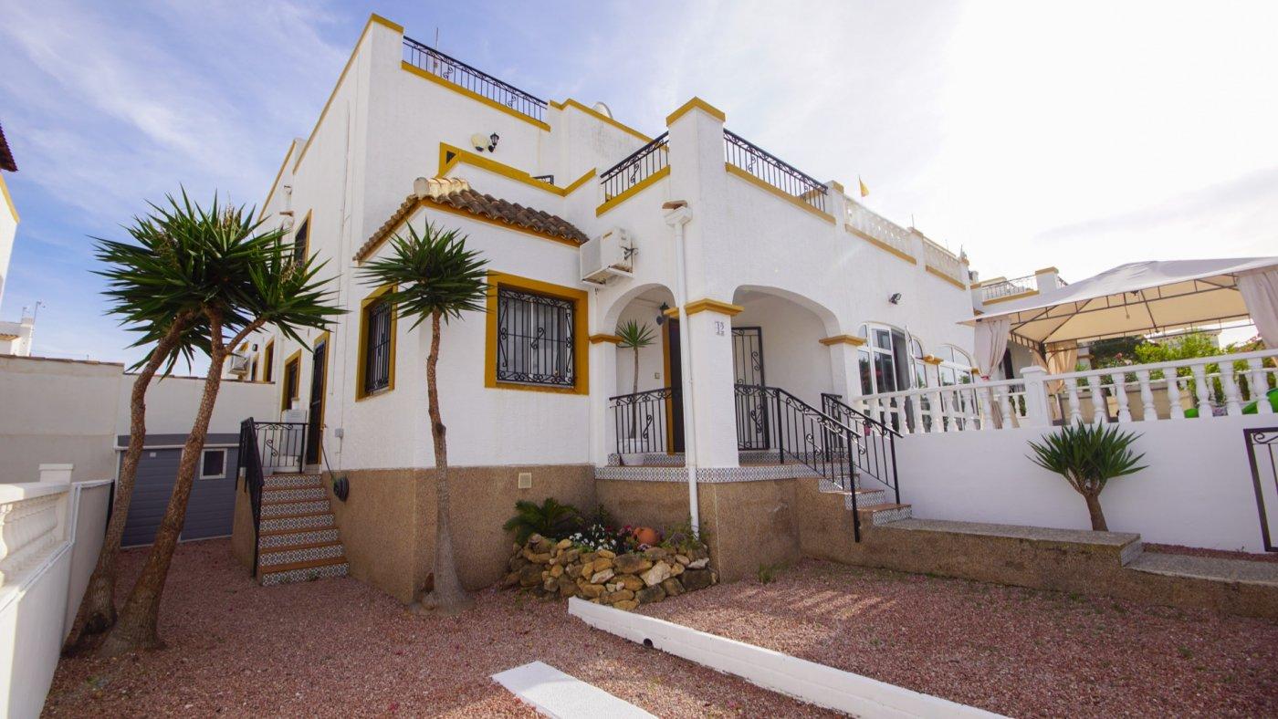 Mediterrane duplex woning te koop met veel buitenruimte in Los Altos, Torrevieja.