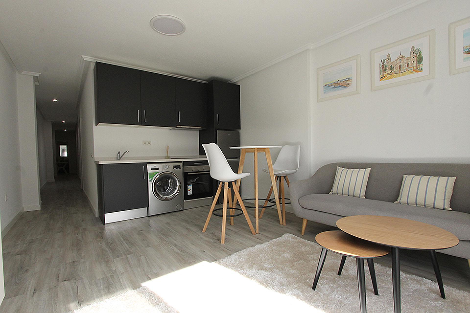 Beautiful renovated apartment located on only 300m from the beaches in Torrevieja.