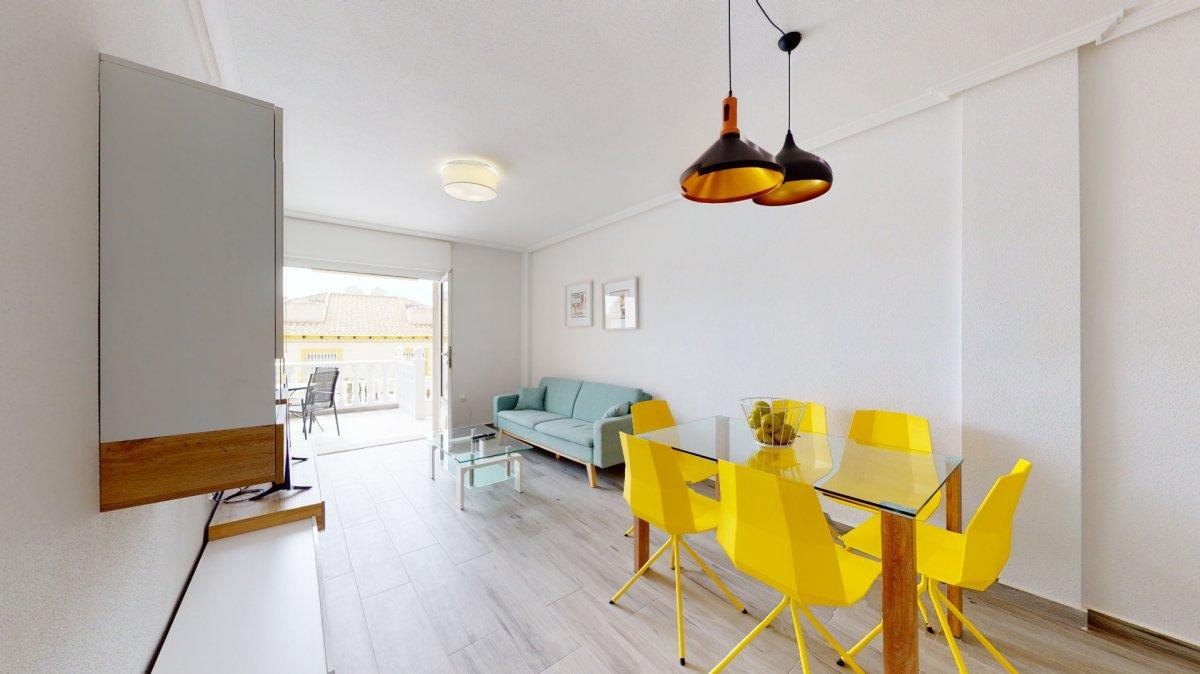 """Volledig gerenoveerde benedenwoning te koop in """"La Regia"""" een rustige urbanisatie in Cabo Roig."""