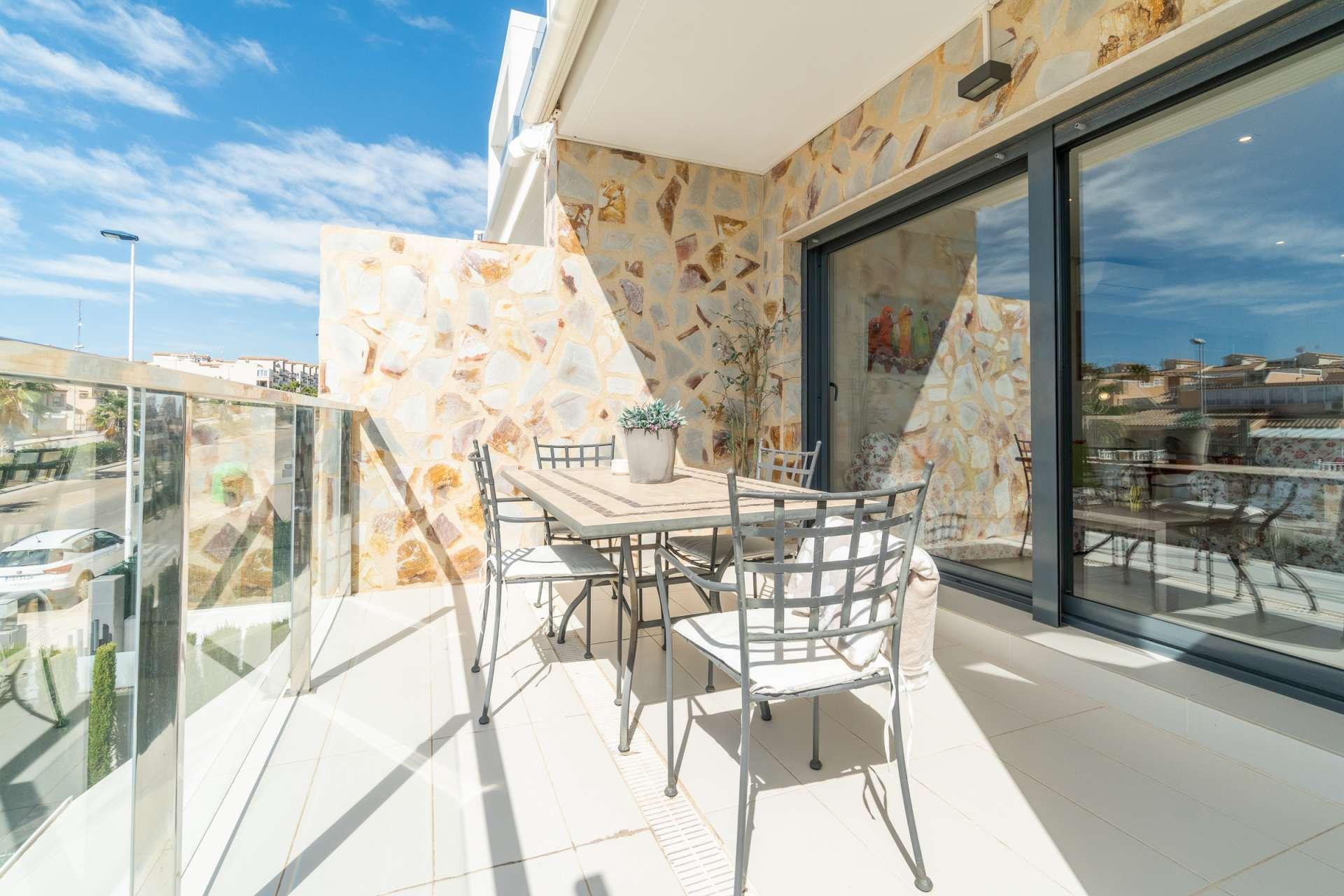 Fantastic design penthouse for sale in the popular area of Punta Prima.