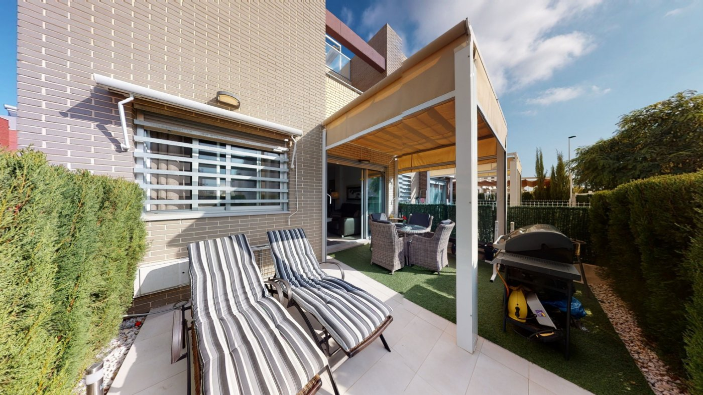 Spectacular ground floor apartment for sale with a sunny terrace in Aguas Nuevas in Torrevieja.