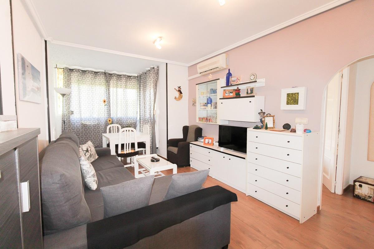 Beautiful apartment for sale near the aromatic park of La Mata.